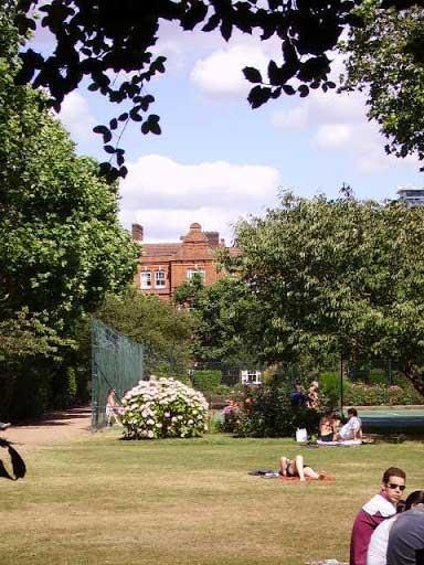 Queen's Club Gardens