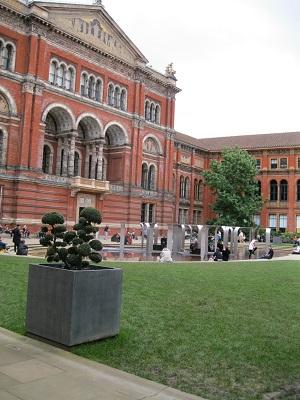 The Victoria & Albert Museum, John Madejski Garden
