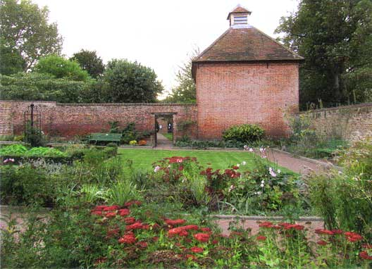Eastcote House Gardens