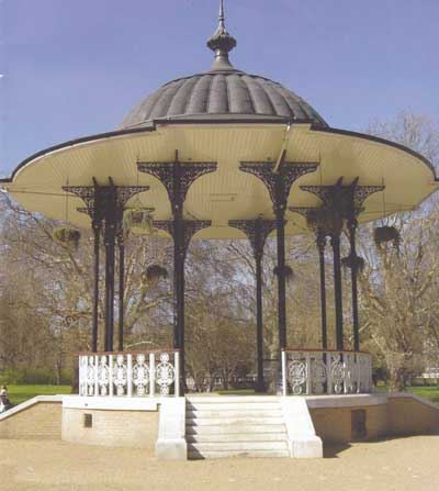 Bandstand in Southwark Park (© Paul Rabbitts)