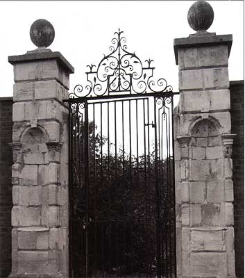The Gate of Old Cromwell House, Mortlake, 2009 (Sally Miller)