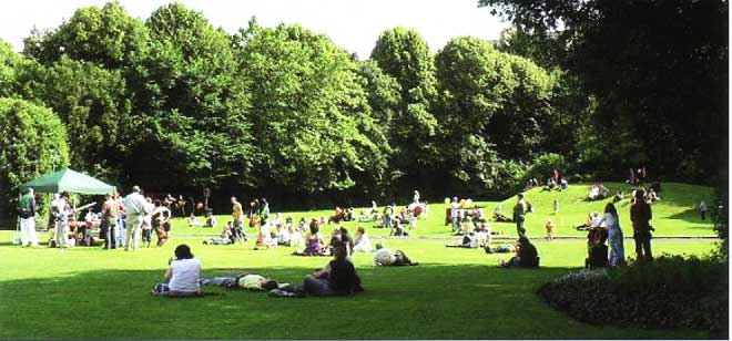 Fun for all the family in Merrion Square during the first Dublin Squares Open Day