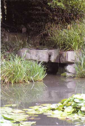 Pulhamite used in an ornamental pond at Coombe Wood, Croydon (Hazelle Jackson)
