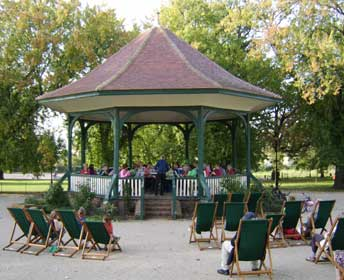 Ruskin Park Bandstand (photo: John Holland)