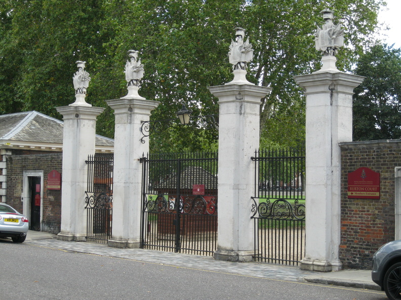 Royal Hospital, Chelsea - Burton Court gates