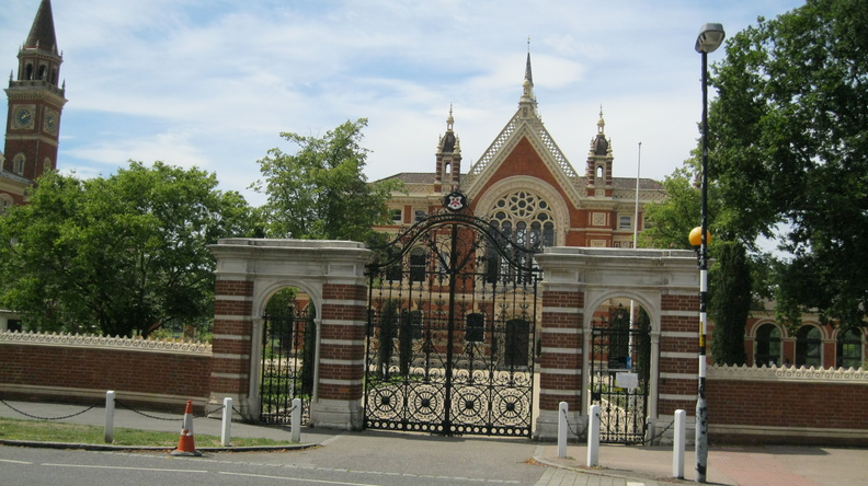 Dulwich College - gates
