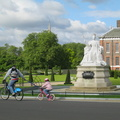 Kensington Palace and statue of Queen Victoria