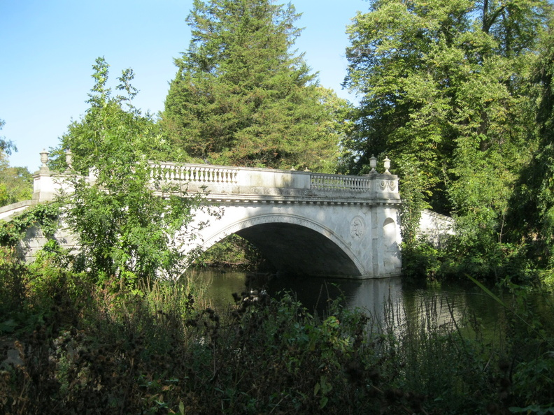 Chiswick House Grounds - Classical Bridge