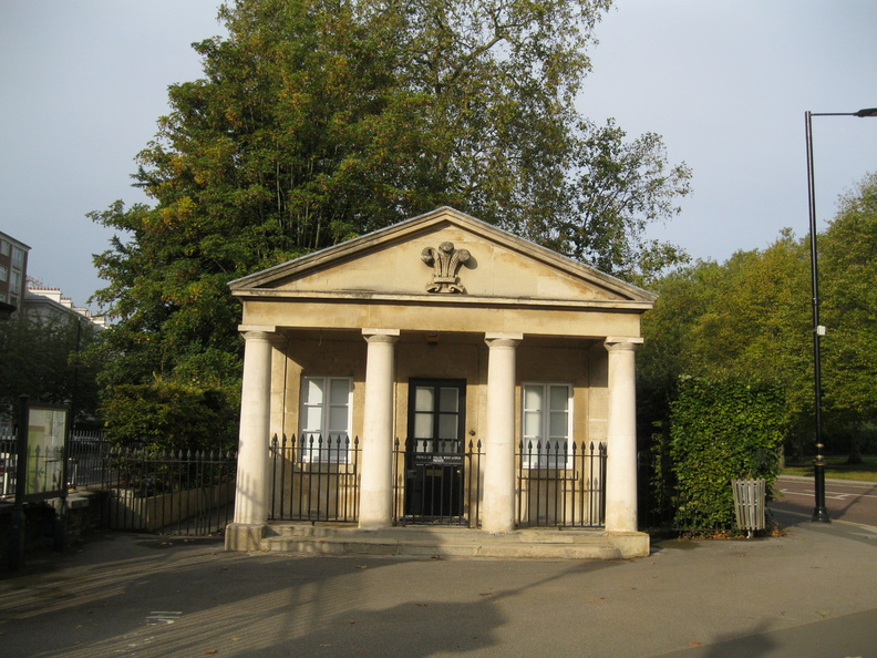 Hyde Park - Prince of Wales West Lodge