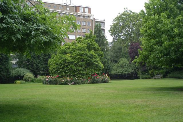 Queen's Gate Gardens