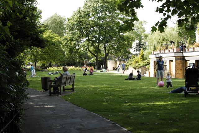 Rembrandt Gardens