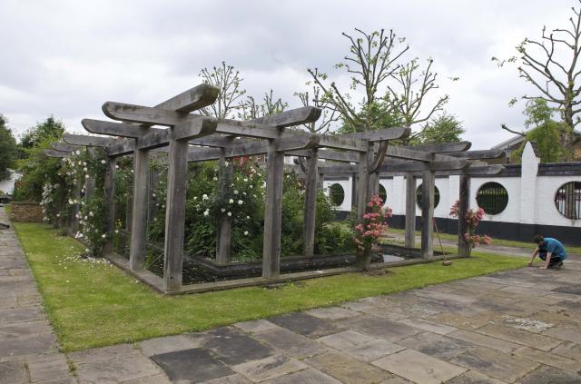 Emslie Horniman Pleasance Gardens