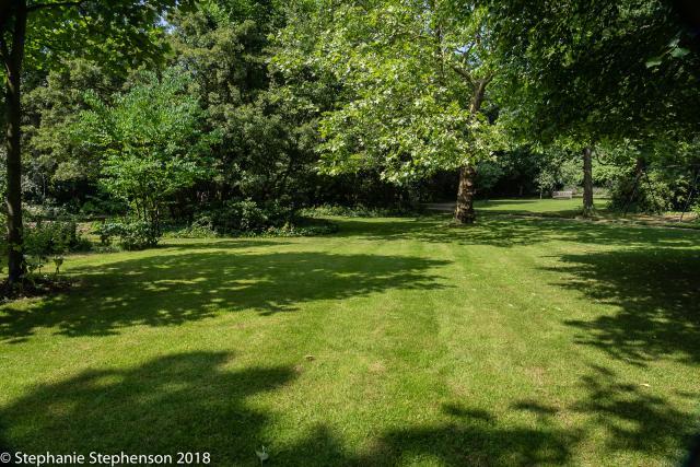Hanover Gardens (Ladbroke Estate) *
