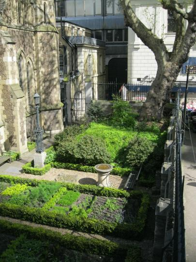 Southwark Cathedral Precinct
