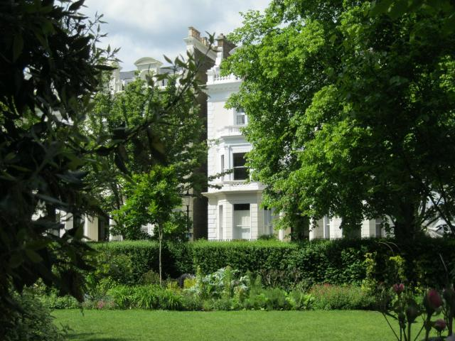 Pembridge Square Garden